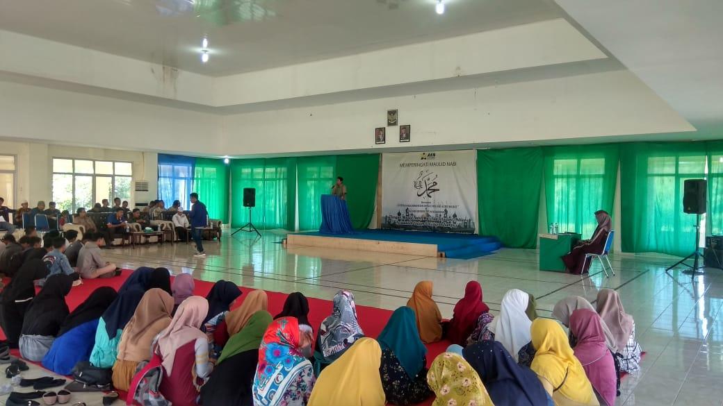 Tgk. Wahyu Nizar Isi Ceramah Maulid di AKN Aceh Barat